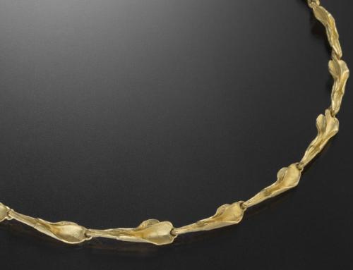 Collier  Blattmotiv in 750/000 Gold