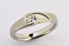 Ring-750ooo-Weißgold-mit-012ct-tw-si-Brillant-