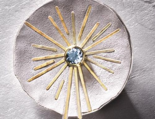 Brosche: 925/000 Silber, 900/000 Gold, Aquamarin rund