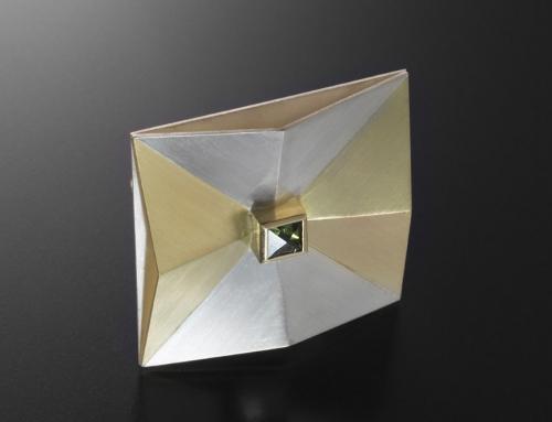 Brosche 750/000 Gold , 925/000 Silber , Context Cut Turmalin